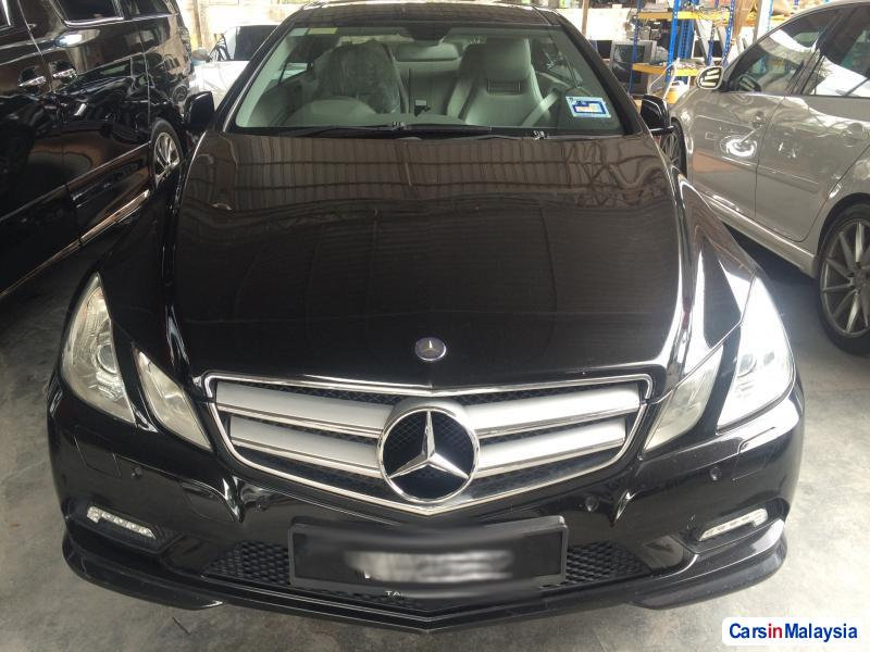 Pictures of Mercedes Benz E250 Automatic 2010