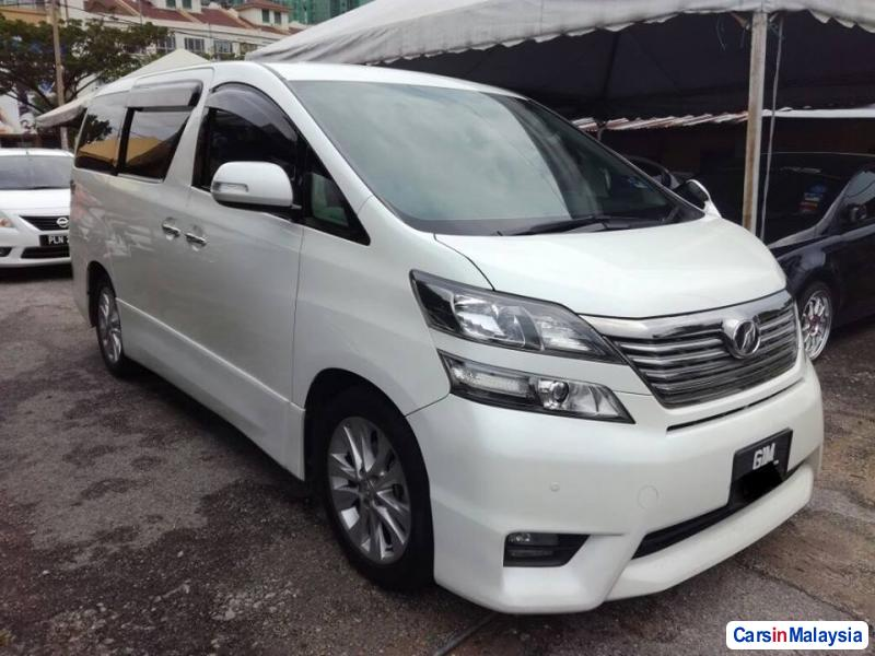 Pictures of Toyota Vellfire Automatic 2010