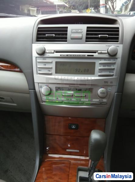 Toyota Camry Automatic 2012 - image 10