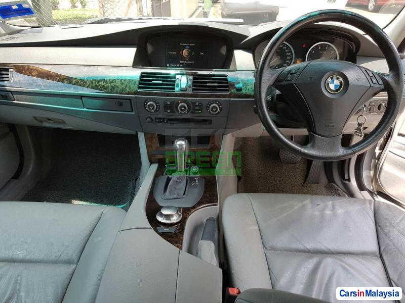 BMW 5 Series Automatic 2005 - image 10