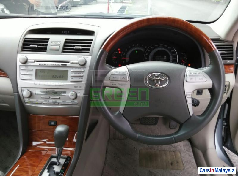 Toyota Camry Automatic 2012 - image 9