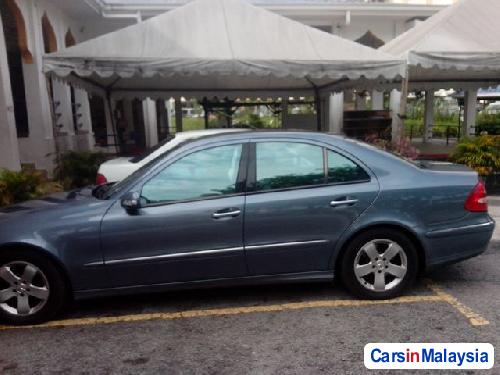 Pictures of Mercedes Benz E200K Automatic 2010