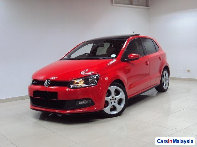 Pictures of Volkswagen Polo Automatic 2012