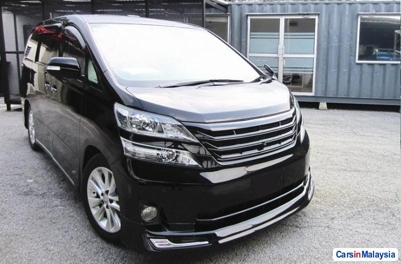 Picture of Toyota Vellfire Semi-Automatic 2014