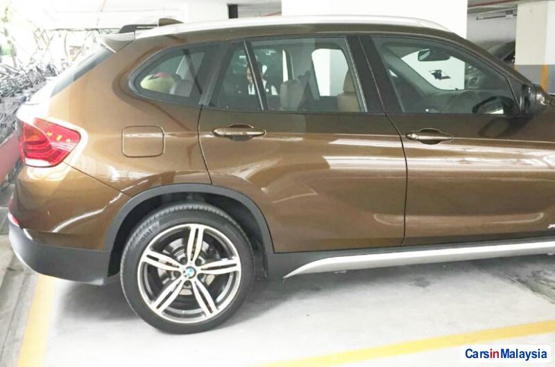 BMW X 2.0-LITER LUXURY FAMILY SUV Automatic 2011 - image 11