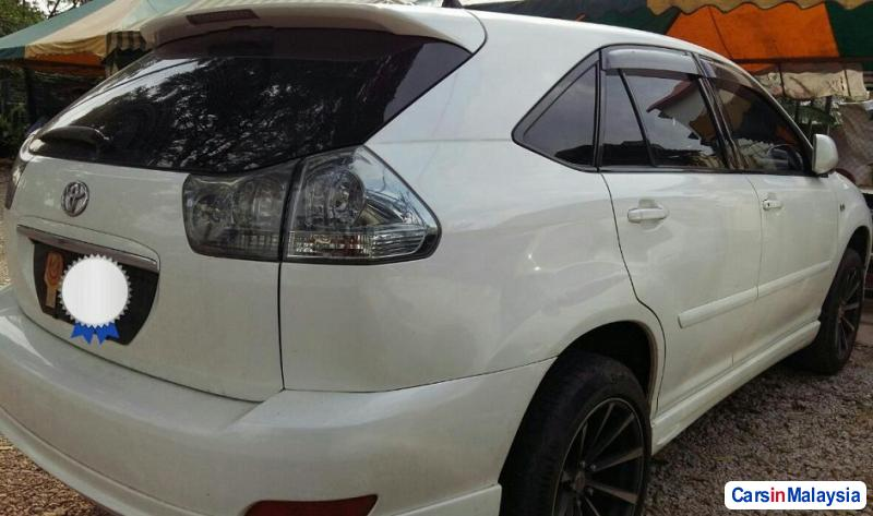 Picture of Toyota Harrier Automatic 2011