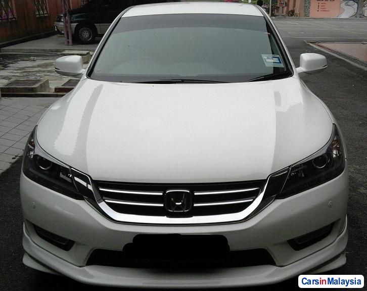 Picture of Honda Accord 2.4-LITER LUXURY SEDAN Automatic 2012