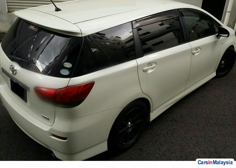 Picture of Toyota Wish 1.8-LITER FAMILY SMALL MPV Automatic 2013