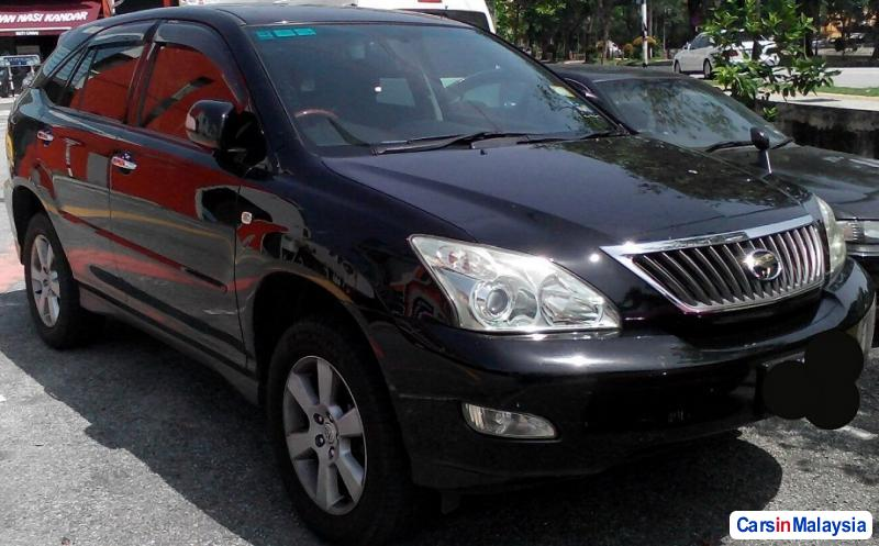 Picture of Toyota Harrier Automatic 2012