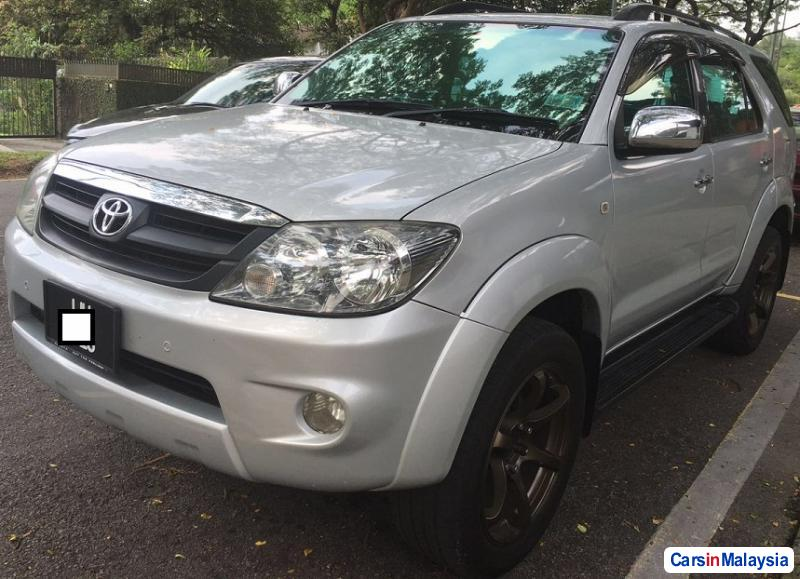 Picture of Toyota Fortuner 2.4-LITER LUXURY FAMILY SUV Automatic 2008