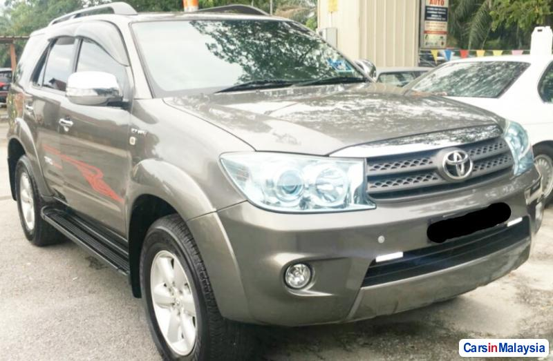 Picture of Toyota Fortuner 2.7 4WD 7 SEATER LUXURY FAMILY SUV Automatic 2011