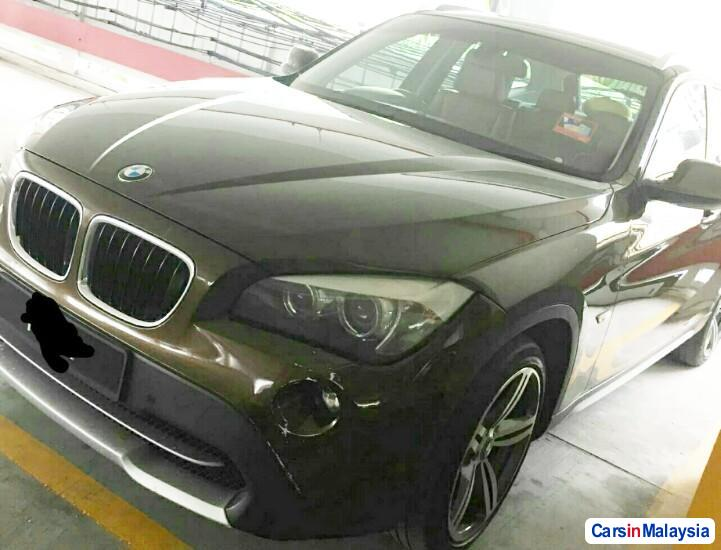 Picture of BMW X 2.0-LITER LUXURY FAMILY SUV Automatic 2011