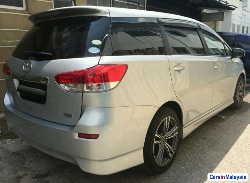 Picture of Toyota Wish Automatic 2013