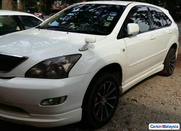 Toyota Harrier 2.4-LITER LUXURY FAMILY SUV Automatic 2011