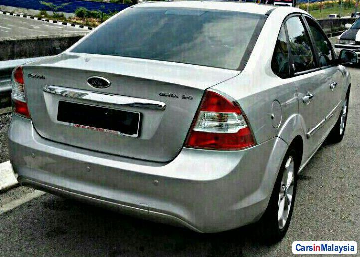 Ford Focus 2.0-LITER LUXURY SEDAN Automatic 2010