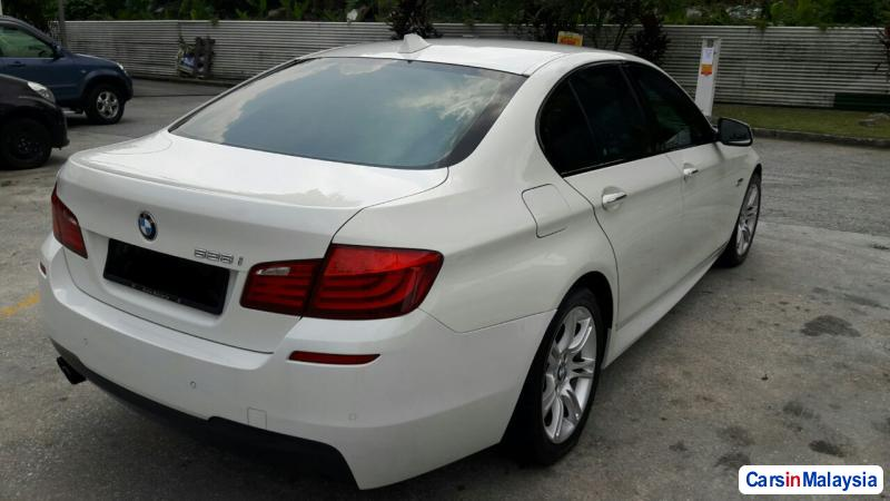 BMW 5 Series 2.0-LITER LUXURY SEDAN Automatic 2013