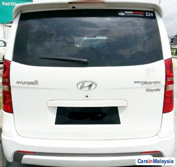 Hyundai Starex Automatic 2013