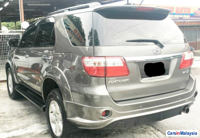 Toyota Fortuner 2.7 4WD 7 SEATER LUXURY FAMILY SUV Automatic 2011