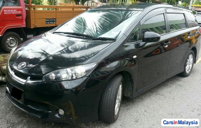 Toyota Wish 1.8-LITER FAMILY SMALL MPV Automatic 2013 in Selangor