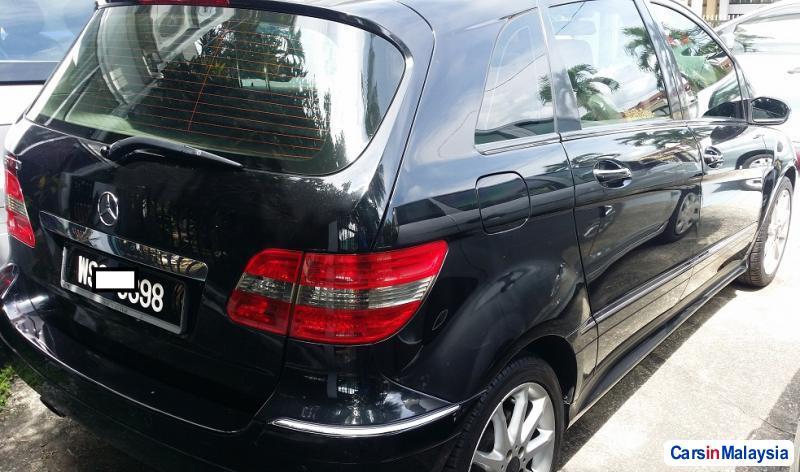 Mercedes Benz B200 1.8-LITER LUXURY SUV Automatic 2013 in Selangor