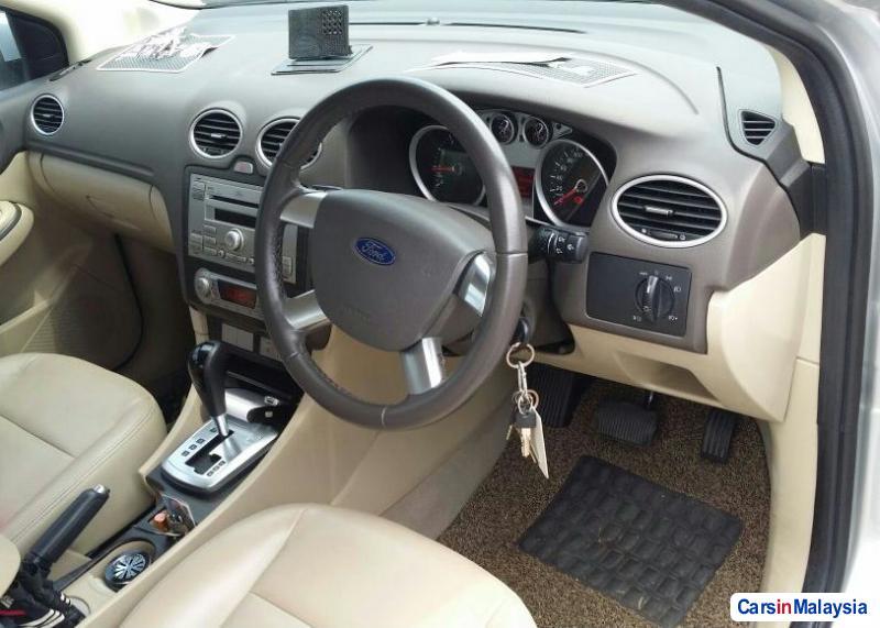 Ford Focus 2.0-LITER LUXURY SEDAN Automatic 2010 in Selangor