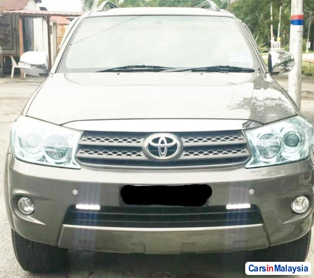Toyota Fortuner 2.7 4WD 7 SEATER LUXURY FAMILY SUV Automatic 2011 in Selangor