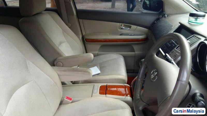 Toyota Harrier 2.4-LITER LUXURY FAMILY SUV Automatic 2011 in Malaysia