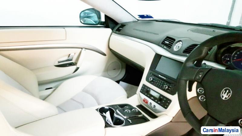 Maserati GranTurismo 4.7-LITER LUXURY SPORT CAR Automatic 2013 in Selangor - image