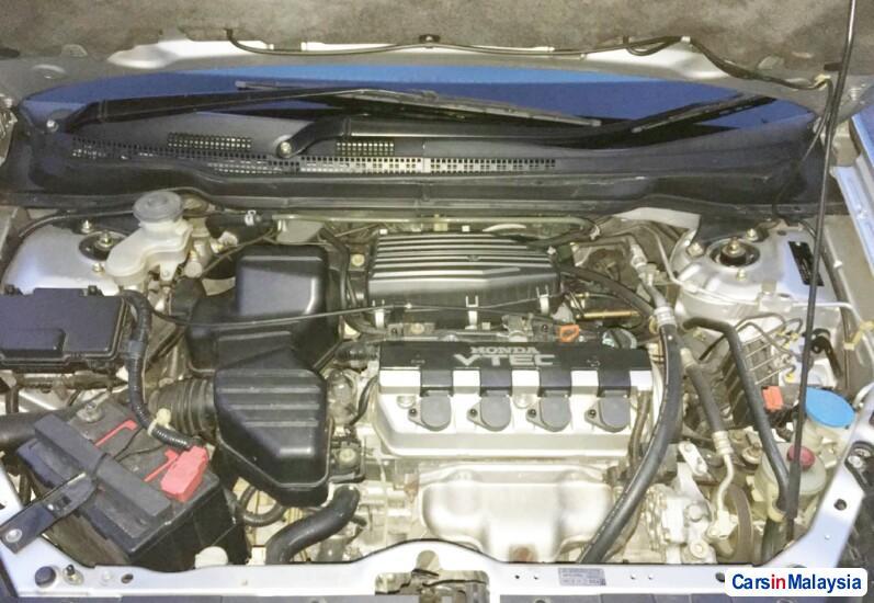 Honda Stream 1.7-LITER MPV Automatic 2003 - image 9