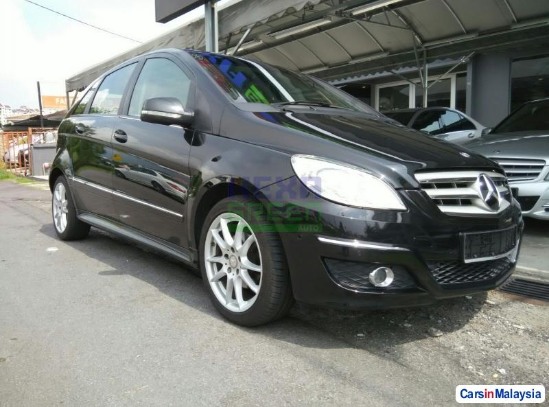 Picture of Mercedes Benz B180 Automatic 2011