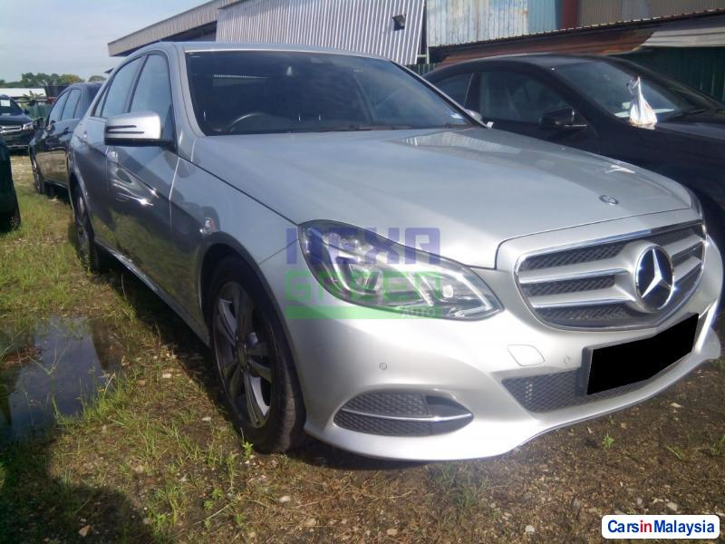 Pictures of Mercedes Benz E200 Automatic 2014