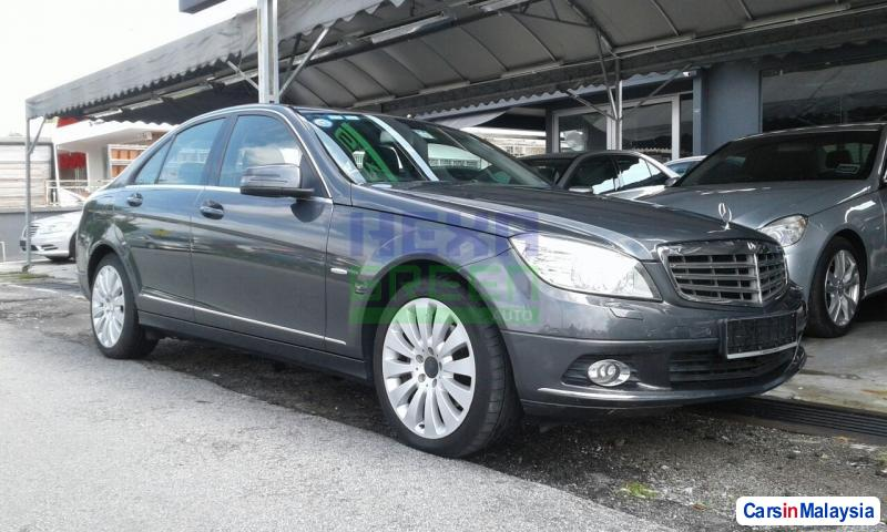 Pictures of Mercedes Benz C-Class Automatic 2009