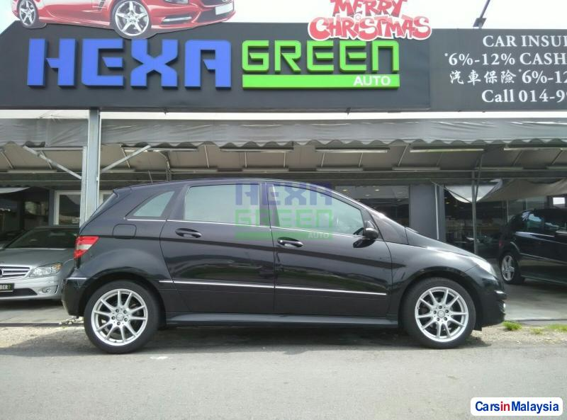 Mercedes Benz B180 Automatic 2011 in Penang