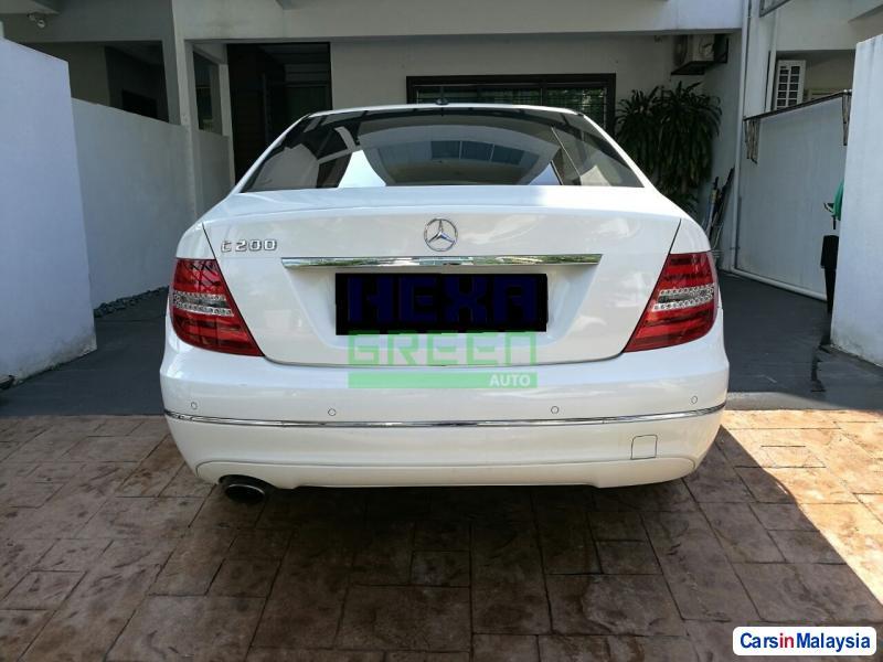 Mercedes Benz C-Class Automatic 2013 - image 4