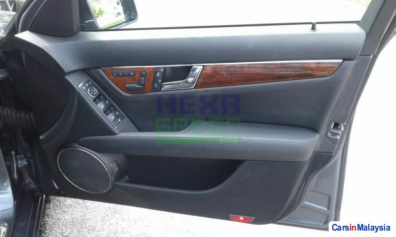Mercedes Benz C-Class Automatic 2009 in Penang - image