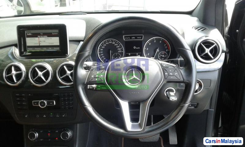 Mercedes Benz B200 CDI Automatic 2013 - image 9