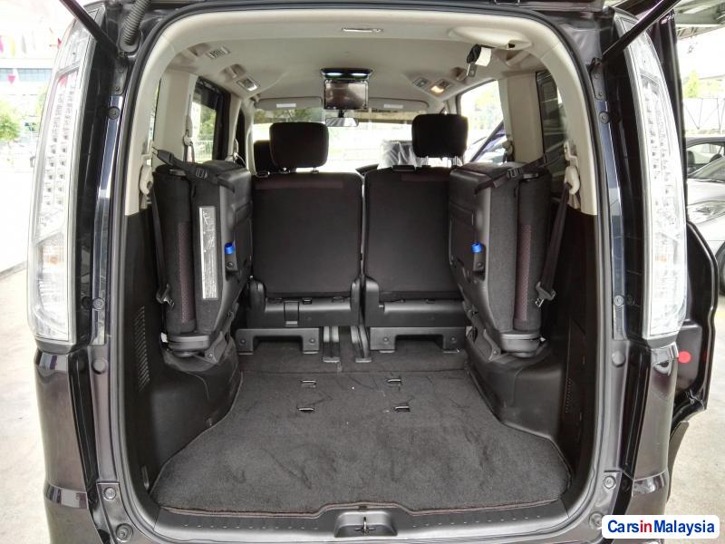Picture of Nissan Serena Automatic 2013 in Kuala Lumpur