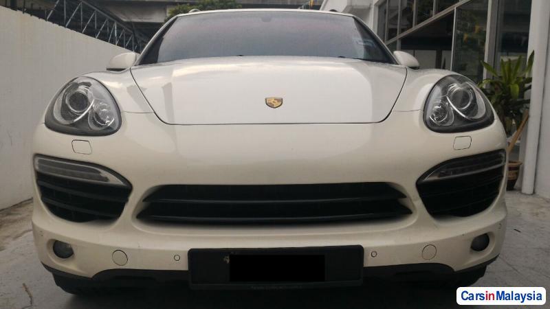 Picture of Porsche Cayenne Automatic 2011