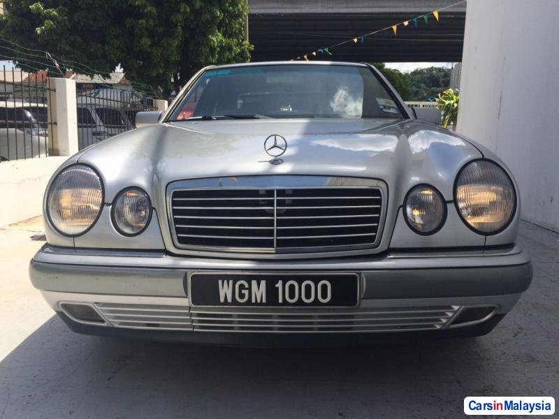 Picture of Mercedes Benz E280 Automatic 1998