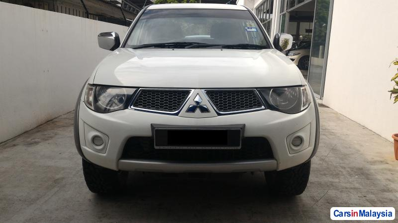 Picture of Mitsubishi Triton Manual 2012