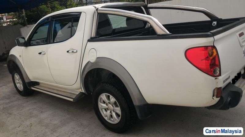 Mitsubishi Triton Manual 2012