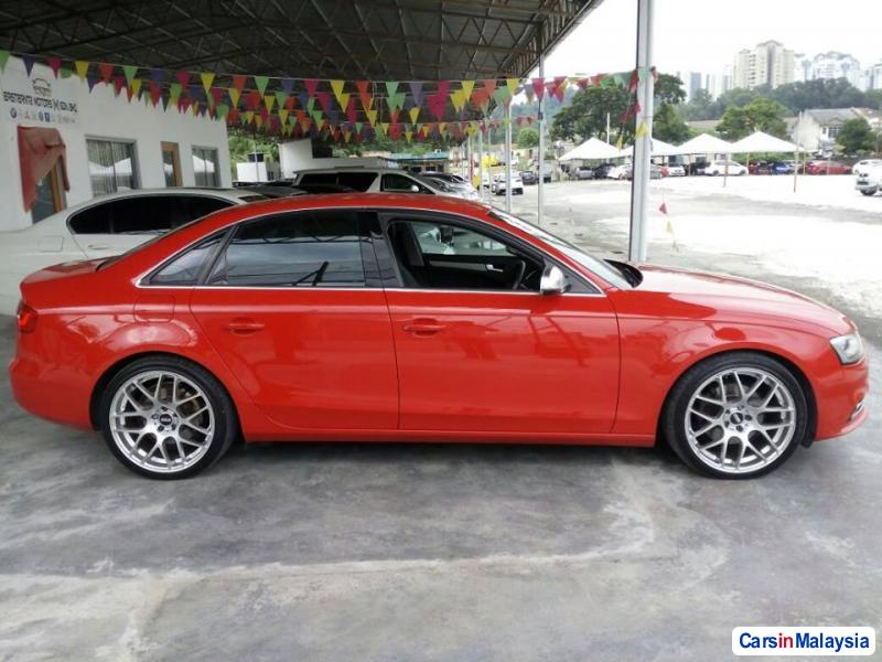 Pictures of Audi A4 Semi-Automatic 2012