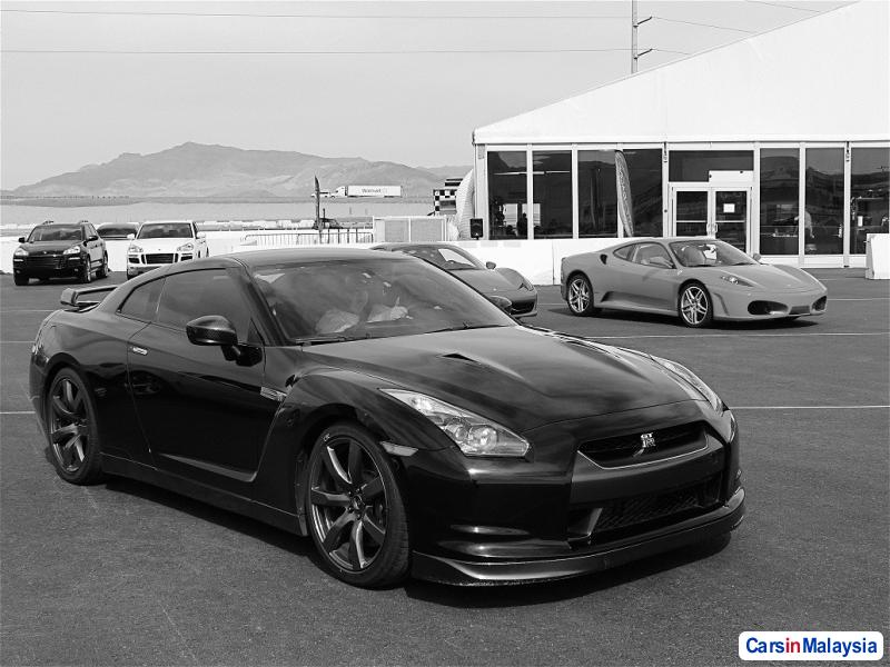Picture of Nissan GTR Automatic 2010