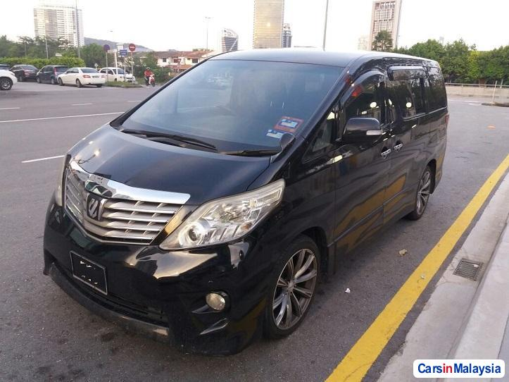 Picture of Toyota Alphard Automatic 2013