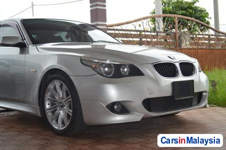 BMW 5 Series Automatic 2011