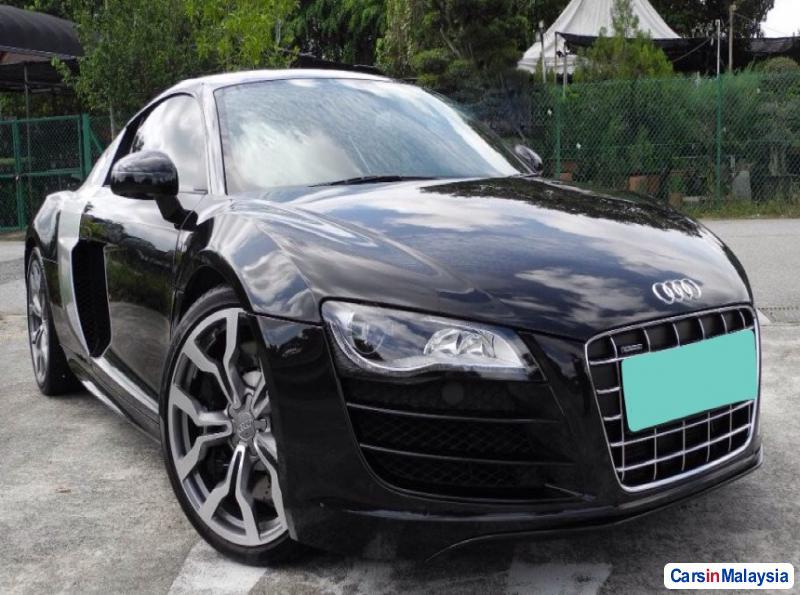 Picture of Audi R8 Semi-Automatic 2012