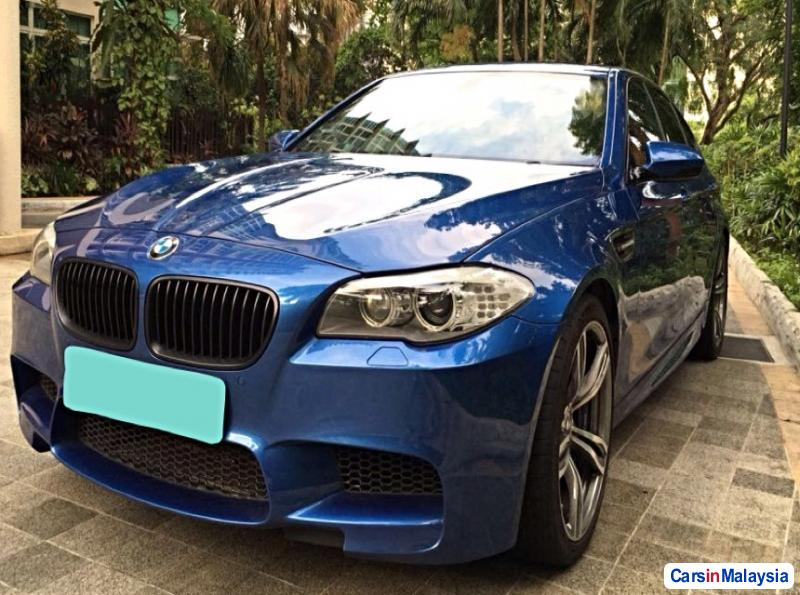 Picture of BMW M Semi-Automatic 2013