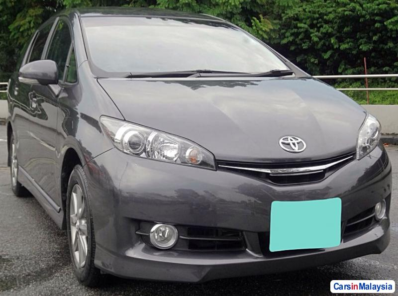 Picture of Toyota Wish Automatic 2015