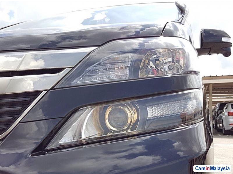 Toyota Vellfire Automatic 2015 in Malaysia
