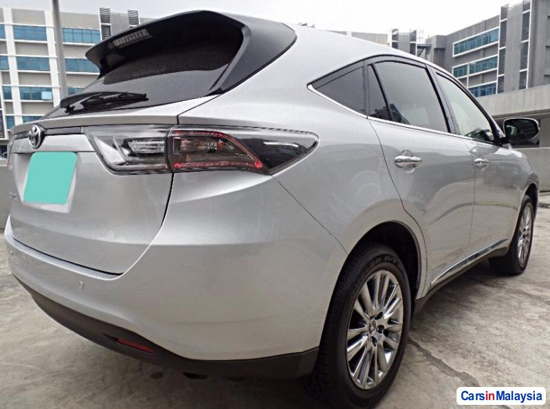 Toyota Harrier Automatic 2016 in Malaysia